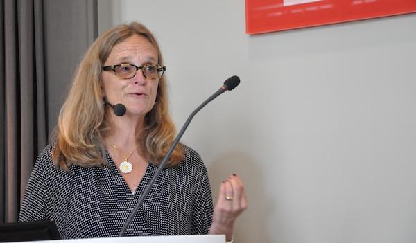 Professorns råd: Lägg inte extra bördor på kvinnor