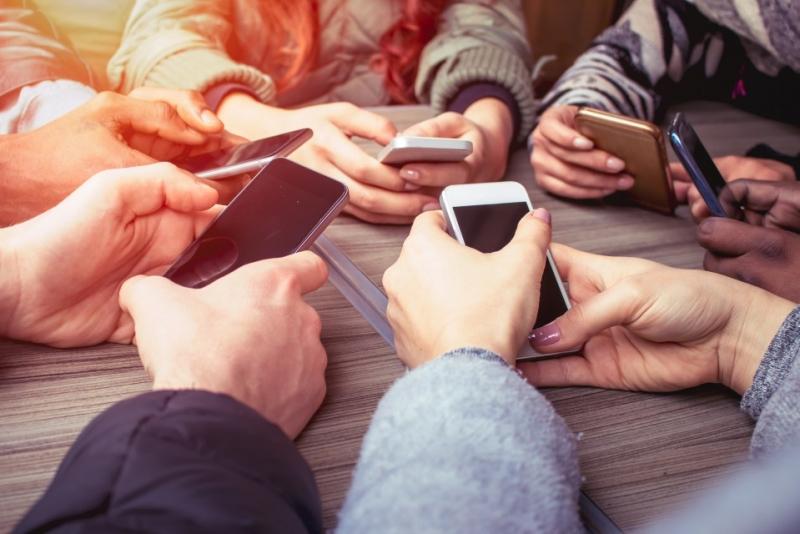 Mobilfria miljöer kan minska stressen på arbetsplatsen