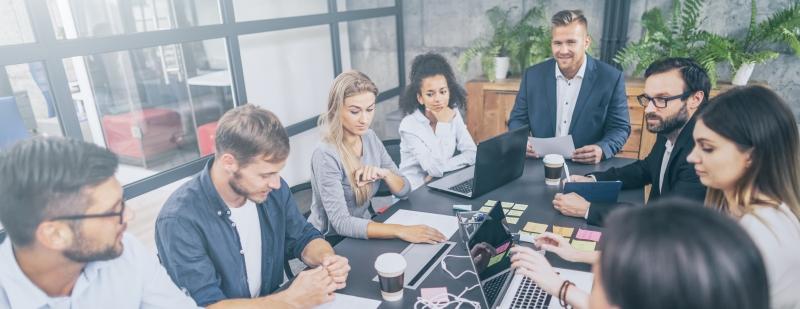 Därför blir det allt fler möten på jobbet
