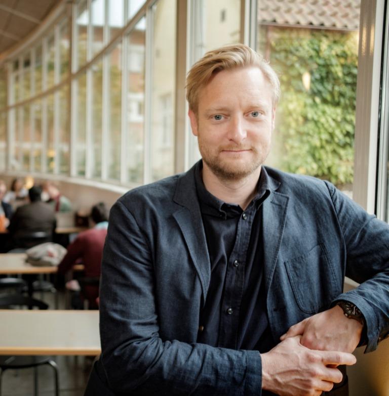 Svenskar splittrade i synen på coronahantering
