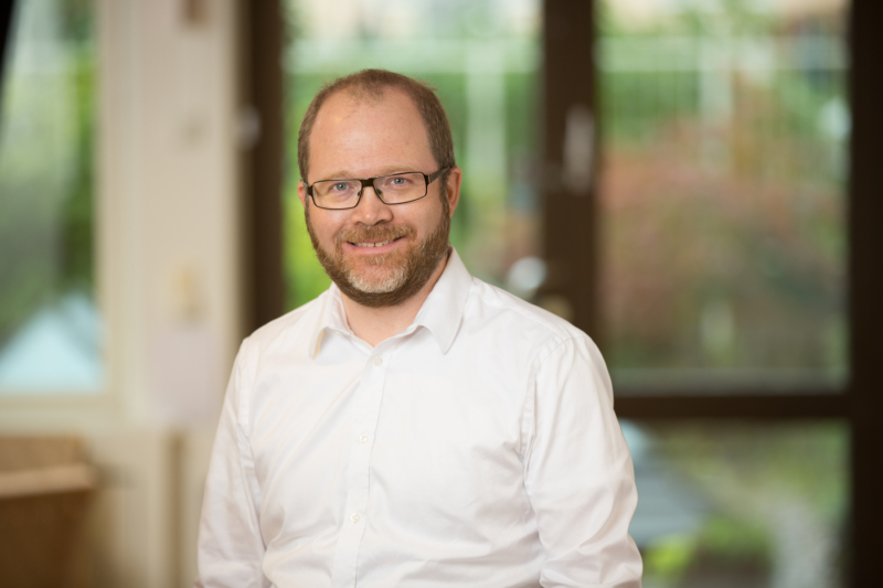 Dan Nilsson håller koll på standardiseringen