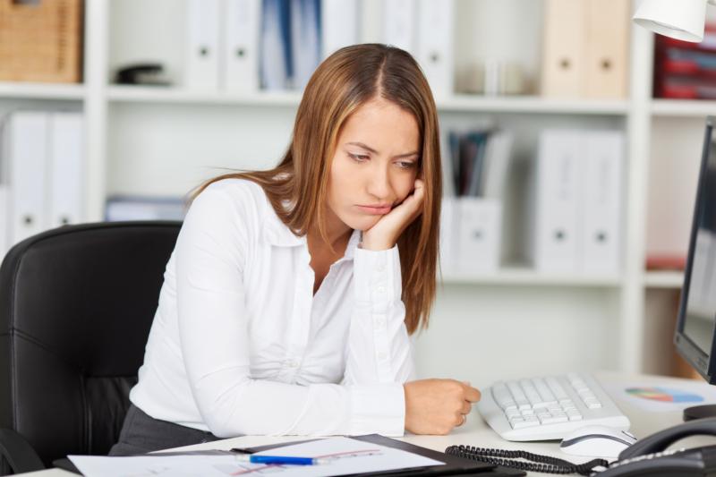 Vantrivsel på jobbet kopplad till mörkare samhällssyn