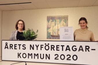 Karin Bengtsson, vd Båstad Turism & Näringsliv, och Charlotte Rosenlund Sjövall, kommundirektör, i Båstad.