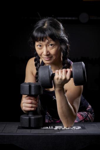 Britt-Marie Olsson tränar både själv och andra som gruppträningsledare. Foto Peter Knutson.