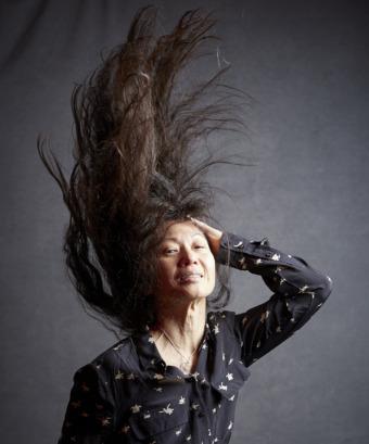 Britt-Marie Olsson lär energiknippet som liknar sig själv vid krasse. Foto Peter Knutson.